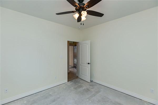 $256,000-15 Willow Bend St, Corpus Christi, 78413